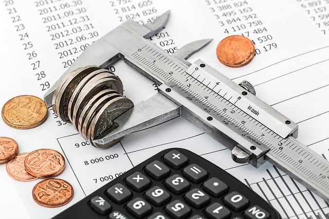 Diferencia de costos fijos y variables